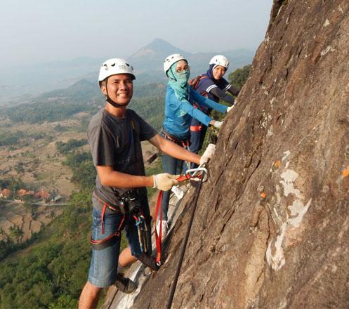 One Day Trip Rock Climbing Via Ferrata 02