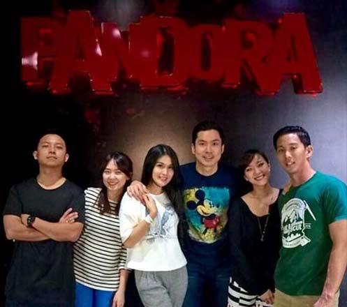 Pandora Experience Puri Indah