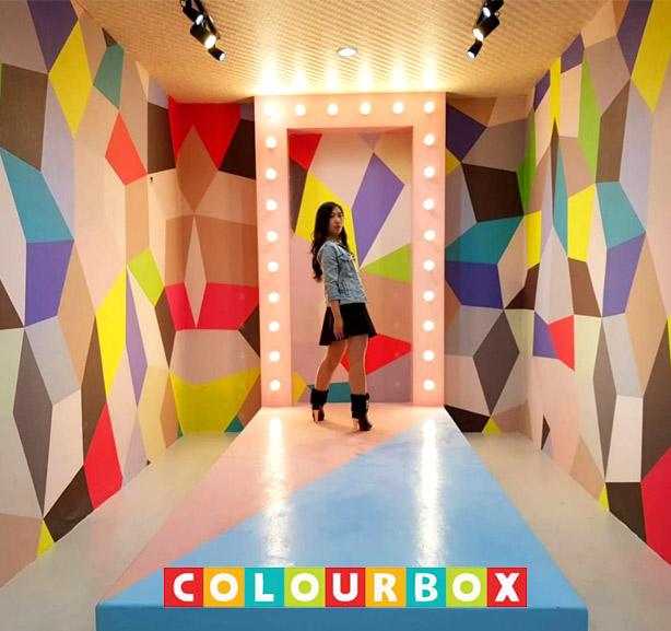 Rasakan Keseruan Berwisata Selfie di Colour Box