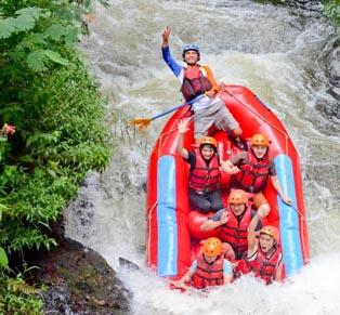 One Day Trip Rafting Pengalengan...